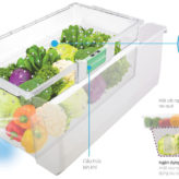 Tủ lạnh cao cấp Hitachi với ngăn đựng rau quả Aero-Care.