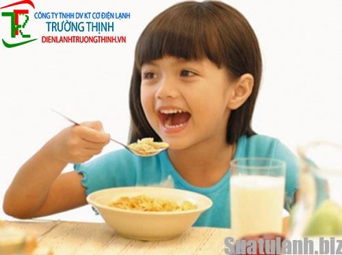 Cách bảo quản thức ăn trẻ em trong tủ lạnh không mất chất